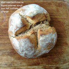 Snel zelf brood bakken  'Zelf brood bakken' en 'snel' horen eigenlijk niet in 1 zin thuis.  Toch overkomt het mij regelmatig dat ik ont...