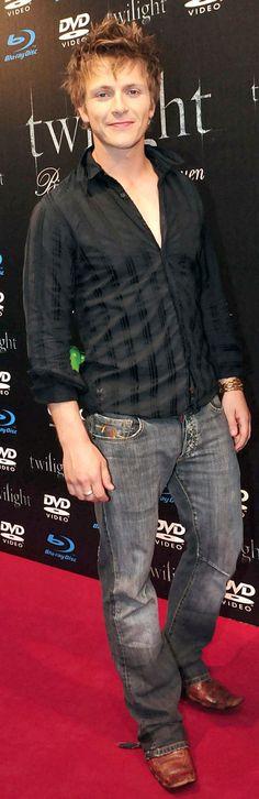 Charlie Bewley promoting Twilight DVD release