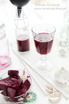 sok z kiszonego buraka Healthy Drinks, Healthy Eating, Healthy Recipes, Homemade Liquor, Polish Recipes, Slow Food, Canning Recipes, Beets, Health And Beauty