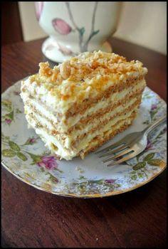Sans Rival - ciasto na wagę złota - Slow Life Project Sweets Cake, Cupcake Cakes, Sweet Recipes, Cake Recipes, Sans Rival, Polish Desserts, Carrot Cake Cheesecake, Kolaci I Torte, Different Cakes