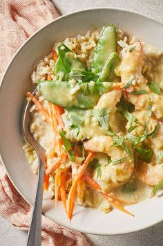 This easy Thai-inspired coconut curry shrimp is loaded with vegetables and gets tons of flavor from Fish Recipes, Seafood Recipes, Asian Recipes, Vegetarian Recipes, Cooking Recipes, Healthy Recipes, Dinner Recipes, Hot Brown, Brown Rice