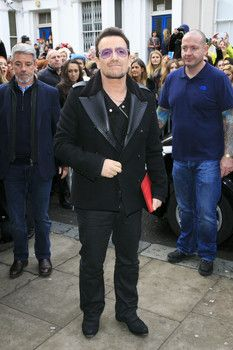 U2's lead guitar player Bono may never play due to injuries