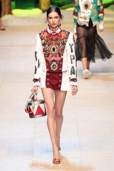 Dolce & Gabbana traz a culinária italiana para o verão 2017 - Vogue   Desfiles