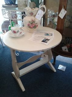 Occasional table in Antique Cream Drafting Desk, Colours, Cleaning, Shapes, Cream, Antiques, Rose, Table, Vintage