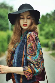 Flappy Hat & Vintage Velvet Vest & Monki Blouse from thebohemianblues.blogspot.fr