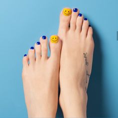 #smiley faces on big #toes (: