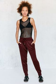 Silence + Noise Andy Pull-On Jogger Pant (in berry)