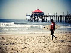 Lived here for a month in a host family. Huntington Beach Pier, Surf City, Orange County, Diy Art, Sea Shells, Places Ive Been, Travelling, Surfing, United States