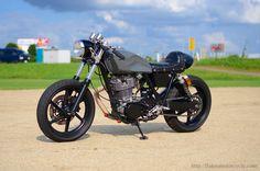 SR400 CAFE RACER | FLAKES