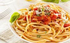 Spaghettis aux tomates à l'ail