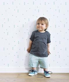 Papier peint géométrique turquoise Lilipinso Kimsa Triangles, Mint Wallpaper, Baby Deco, Art Wall Kids, Wall Art, Kids Room, Hipster, Nursery, Play