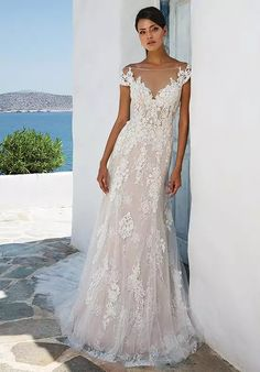 Wedding Dress 8963 by Justin Alexander - Search our photo gallery for pictures of wedding dresses by Justin Alexander. Find the perfect dress with recent Justin Alexander photos. Soft Wedding Dresses, Wedding Dress Pictures, Princess Wedding Dresses, Boho Wedding Dress, Wedding Gowns, Backless Wedding, Modest Wedding, Mermaid Wedding, Justin Alexander Bridal