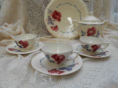 Belles tasses anciennes à fleurs ,Digoin .Boulogne
