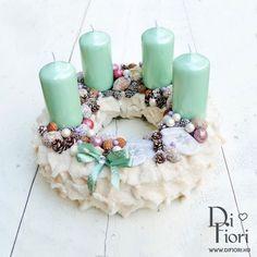Adventi koszorú 5 Diy Christmas Ornaments, Christmas Time, Merry Christmas, Christmas Decorations, Xmas, Advent Wreath, Gerbera, Wonderful Time, Pillar Candles
