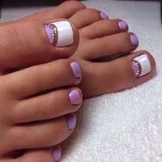 Nail art Christmas - the festive spirit on the nails. Over 70 creative ideas and tutorials - My Nails Pretty Toe Nails, Cute Toe Nails, Cute Nail Art, Purple Toe Nails, Toe Nail Color, Nail Colors, Hair And Nails, My Nails, Summer Toe Nails