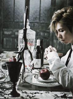 ヤス Beautiful Voice, Beautiful Person, Him Band, Visual Kei, Music Bands, Love Songs, Cherry, Japanese, Poses