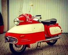 A whiskey a Bourbon a quiet few moments just for you Harley Davidson Knucklehead, Harley Davidson Motorcycles, Jawa 350, Sidecar, Retro Scooter, Scooter Design, Motorized Bicycle, Vespa Lambretta, Cool Motorcycles