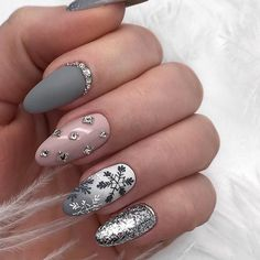 In search for some nail designs and ideas for your nails? Listed here is our set of must-try coffin acrylic nails for trendy women. Pretty Gel Nails, Cute Nails, New Year's Nails, Hair And Nails, Holiday Nails, Christmas Nails, Christmas Snowflakes, Winter Christmas, Beautiful Nail Polish