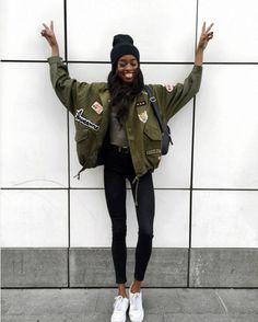 Anne Barreto Look Jaqueta Militar Street Style Clça Skinny