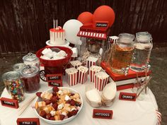 Carnival Party Foods, Candy Popcorn, Candy Floss, Vintage Carnival, Handmade Art, Hot Dogs, Party Ideas, Fruit, Kids