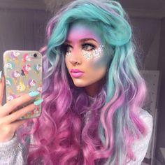 Pink + Aquamarine Dream - Ethereal Unicorn Makeup Ideas For Halloween - Photos Unicorn Makeup, Mermaid Makeup, Mermaid Hair, Mermaid Costume Makeup, Halloween Makeup Unicorn, Dark Unicorn Costume, Unicorn Hair Color, Scarecrow Makeup, Unicorn Face