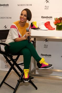 (I like this style on her, not for me) It seems like wedge sneakers aren't going away anytime soon, Reebok Classic and Alicia Keys celebrated the launch of their new collection of Freestyle Hi Wedge A.Keys sneakers as part of… Continue Reading → Diva Fashion, Urban Fashion, Fashion Trends, Pictures Of Alicia Keys, Celebrity Red Carpet, Celebrity Style, Alicia Keys Style, Reebok Freestyle, My Hairstyle