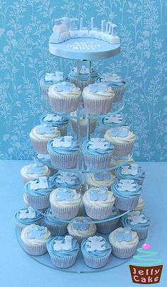 40 cupcakes decorated with hand made teddies and trains. Topping the tower off is a sugar train with carriages spelling out Elliot's name. Christening Cupcakes, Baby Boy Christening, Baby Shower Cupcakes, Shower Cakes, Baby Cupcake, Shower Favors, Baby Shower Winter, Baby Boy Shower, Baby Cubes