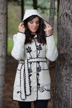 Купить Пальто вязаное 14WJ11 - серый, вязаное пальто, шерстяное пальто, вышивка, орнамент, капюшон
