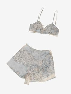 A set of Countess Mountbatten's underwear made from a silk map given to her by a boyfriend in the Royal Air Force. Fashion on the ration: street-style – in pictures. - Total Street Style Looks And Fashion Outfit Ideas Vintage Lingerie, Lingerie Set, Vintage Underwear, 1940s Fashion, Vintage Fashion, London Fashion, Silk Pajamas, Dress Making, Lounge Wear