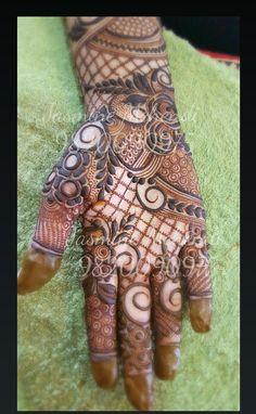 Indian Henna Designs, Rose Mehndi Designs, Henna Art Designs, Modern Mehndi Designs, Mehndi Designs For Girls, Mehndi Designs For Fingers, Dulhan Mehndi Designs, Beautiful Henna Designs, Latest Mehndi Designs