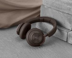 Bang & Olufsen H9 chestnut Bang And Olufsen, Lifestyle Trends, Warm Colors, Colours, Bronze, Speakers, Inspiration, Dessert, Popular