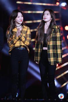 Wendy Red Velvet, Red Velvet Irene, Kpop Fashion Outfits, Stage Outfits, Seulgi, Red Velvet Photoshoot, Velvet Wallpaper, Velvet Fashion, The Girl Who
