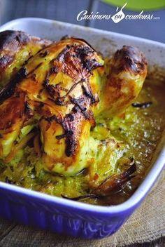 Voici un incontournable de la cuisine marocaine : le poulet mqualli. C'est un poulet qui est d'abord passé dans une cocotte avant de finir sa cuisson au four. Mqualli veut d'ailleurs dire « rôti » en arabe. Une recette basique et très simple avec les oignons et le citron confit. Vous pouvez y ajouter des olives violettesRead More