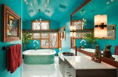 Bad gestalten mit Farbe - Exotisches Türkis und Holz