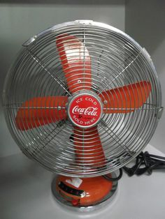 Other Coca-Cola Collectible Advertising Vintage Coca Cola, Coca Cola Addiction, Coca Cola Kitchen, Always Coca Cola, World Of Coca Cola, Desk Fan, Pepsi, Retro Fashion, Maltese