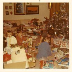 Vintage Christmas Photos, Xmas Photos, Retro Christmas, Vintage Holiday, Ghost Of Christmas Past, 25 Days Of Christmas, Christmas Morning, Family Christmas, Christmas Tree Ornaments