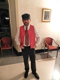 Durante la cena con delitto, lo spettatore collabora alle indagini per identificare il colpevole del delitto ...  http://teatrolavoriincorso.it/