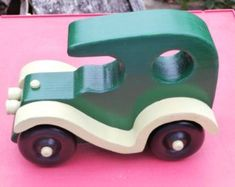 Old fashion style touring auto, wooden car, wood toy, imagination toy push pull, classic touring car - Spielzeug Woodworking Ideas To Sell, Woodworking Toys, Woodworking Projects, Wooden Toy Cars, Wood Toys, Old Fashioned Cars, Imagination Toys, Push Toys, Limousine