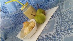Yogurt de naranjilla, pan de yuca y peras. Excelente desayuno