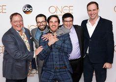 Pin for Later: Le Cast de Once Upon a Time Fête le 100ème Épisode de la Série