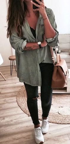 cute outfits for school ; cute outfits for winter ; cute outfits with leggings ; cute outfits for school for highschool ; cute outfits for women ; cute outfits for spring Look Fashion, Winter Fashion, Fashion Styles, Fashion Women, Fashion Ideas, Fashion Spring, Autumn Fashion 2018 Casual, Womens Fashion Outfits, Fashionable Outfits