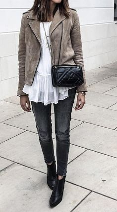 #fall #style Leather Jacket // Skinny Jeans // Leater Ankle Boots