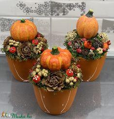 Őszi Mini tökös csoda - asztaldísz, dekoráció (AKezmuvescsodak) - Meska.hu Autumn Crafts, Thanksgiving Crafts, Diy And Crafts, Crafts For Kids, Pumpkin Centerpieces, Fall Table, Tray Decor, Fall Wreaths, Halloween Pumpkins