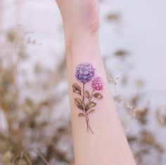 A Woman's Guide to Ink - 80 Extraordinary Tattoo Examples - Straight Blasted Unique Tattoos, New Tattoos, Small Tattoos, Shoulder Tattoos, Wrist Tattoos, Best Tattoos For Women, Tattoos For Guys, Hydrangea Tattoo, Tatuagem New School