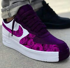 - Source by - Cute Nike Shoes, Cute Sneakers, Red Nike Shoes, Jordan Shoes Girls, Girls Shoes, Nike Shoes Air Force, Nike Air Max, Fresh Shoes, Hype Shoes