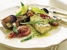 Tallrik med grillad fisk och skaldjur Receptbild - Allt om Mat