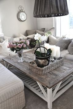 25 Beautiful Farmhouse Coffee Table Design For Living Room - For the Home - Living Room Table Coffee Table Design, Diy Coffee Table, Decorating Coffee Tables, Farmhouse Coffee Tables, Coffee Coffee, Coffee Beans, Coffee Cups, Home Decor Bedroom, Home Living Room