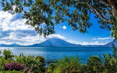 Panorama von Lake Atitlan in Guatemala