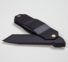 Called Zai HIGO, the two are inspired by the Higonokami knife that was popular in 19th century Japan.