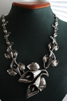 TAXCO MEXICAN STERLING SILVER VINTAGE DESIGN CALLA LILY FLOWER NECKLACE MEXICO #Taxco